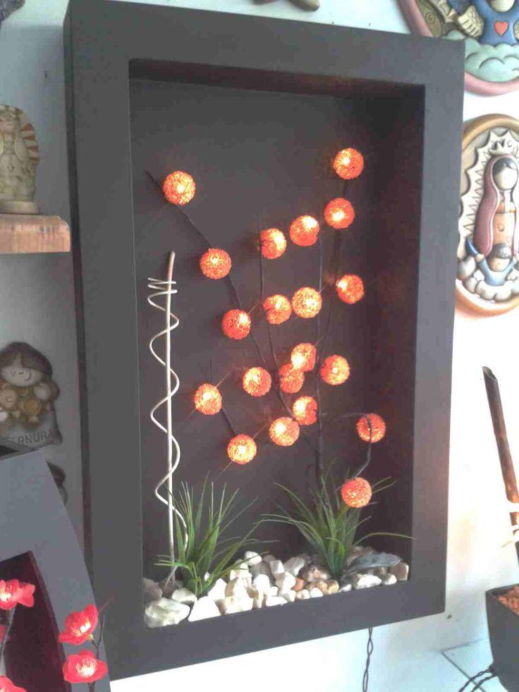 Lampara de pared con esferas de leds y decoraci n con for Decoracion de paredes con cuadros