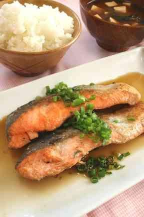 バター焼きに飽きたら…鮭のサッパリ焼き☆の画像 salmon