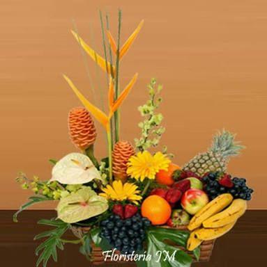 arreglo de flores y frutas amarillas - Google Search