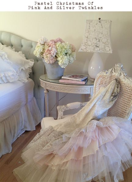 78 best images about rachel ashwell on pinterest chair slipcovers dust ruffle and shabby chic. Black Bedroom Furniture Sets. Home Design Ideas