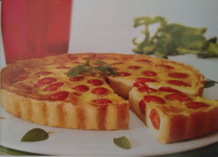 Saborosa Quiche de Queijo com Tomate Cereja
