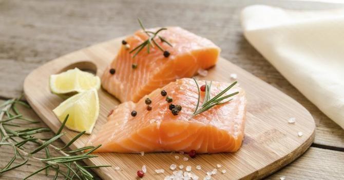 10 aliments pour maigrir des fesses Le saumon frais (11)   Fourchette & Bikini