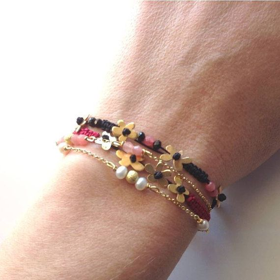 SET of Four Bracelets Gold Plated Flowers and by PlusLoveStudio - 26.50euro