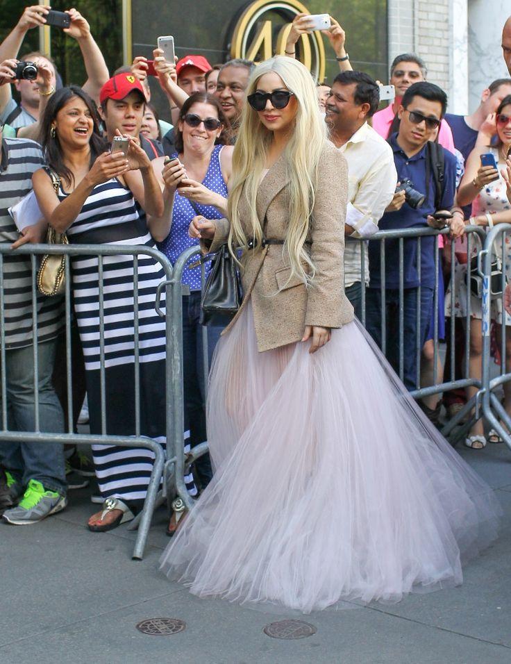 Lady Gaga: H πριγκιπική της εμφάνιση! | JoyTV