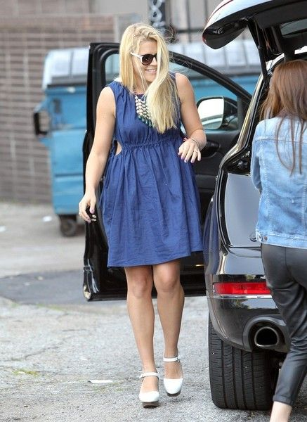 Busy Philipps Photos: Busy Philipps Out in LA