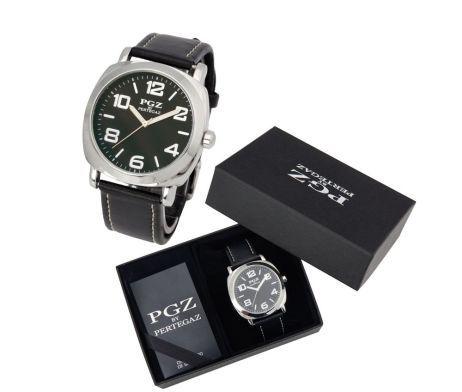 Luxusné značkové hodinky Pertegaz chránené minerálnym sklíčkom. Tento značkový produkt je chránený minerálnym sklíčkom. Minerálne sklíčko je najčastejšie používané sklíčko v hodinárskom priemysle. Je dostatočne odolné voči poškrabaniu a je odolnejšie voči rozbitiu ako zafírové sklíčko. Tieto luxusné analógové hodinky so strojčekom QUARTZ pre pánov majú moderný okrúhly dizajn a remienok vyrobený z PU kože (štiepenka). Hodinky sú vodeodolné do 30m.