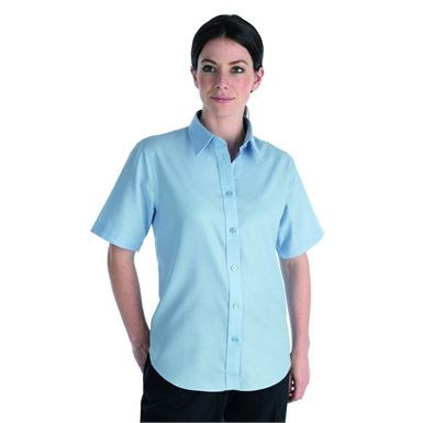 The Dickies SH64350 Ladies Oxford Short Sleeve Shirt comes with an inverted pleat in the back for ease of movement. Its round hem at the bottom, allows you to fit the shirt into the waistband of your skirt or trousers.