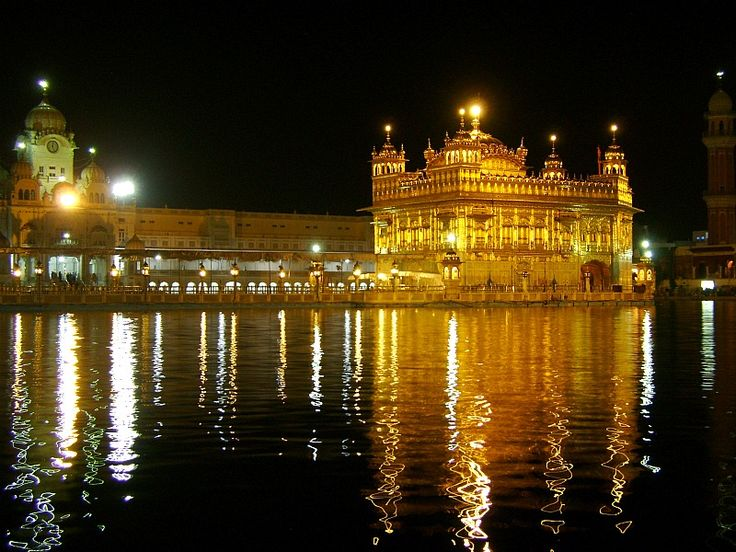 Darbar Sahib, Amritsar   Commonly known as Golden Temple.  Peace at night.  Source: www.punjabilinks.com