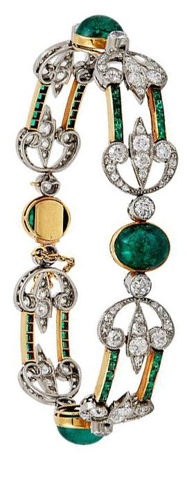 BOUCHERON Cabochon Emerald and Diamond Bracelet