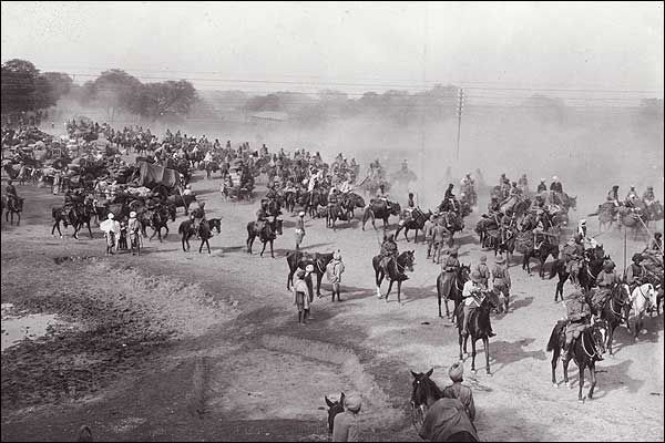 Troops on the Grand Trunk Road