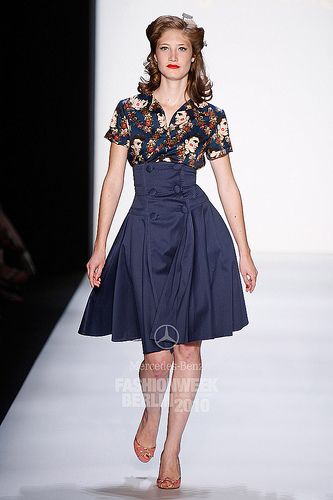 Lena Hoschek really want a pattern for this skirt