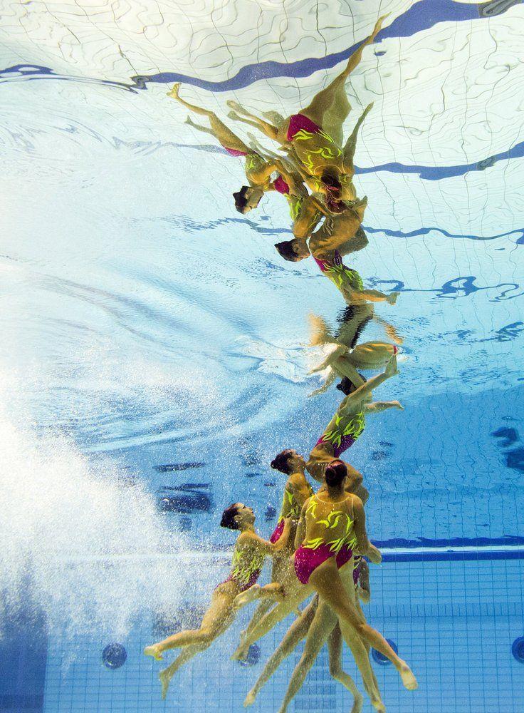 19 fotos impresionantes de los campeonatos de natación sincronizada