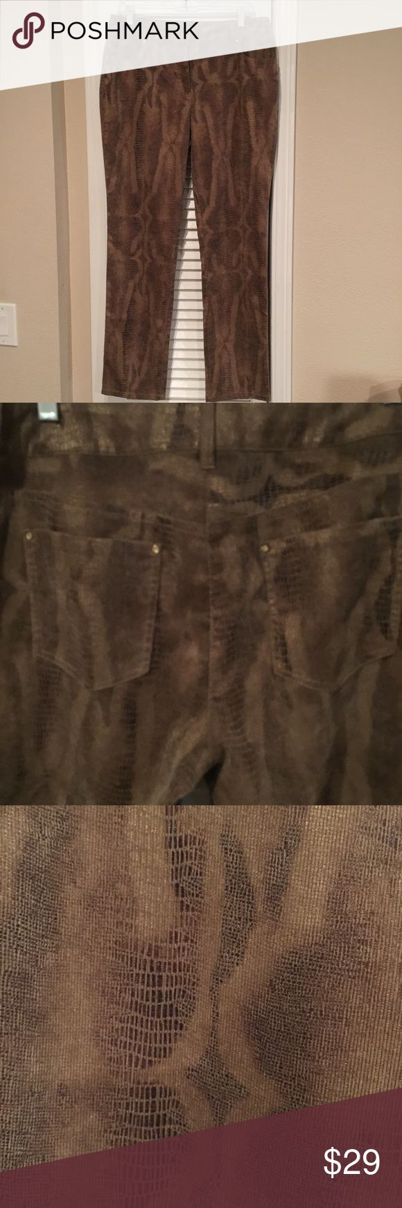 """CHICOS CURVY SNAKE PRINT PANTS CHICOS CURVY SNAKE PRINT PANTS. Approx 17"""" waist and 30"""" inseam.  Size 1.5 (in CHICOS that is a 12) Chico's Pants"""