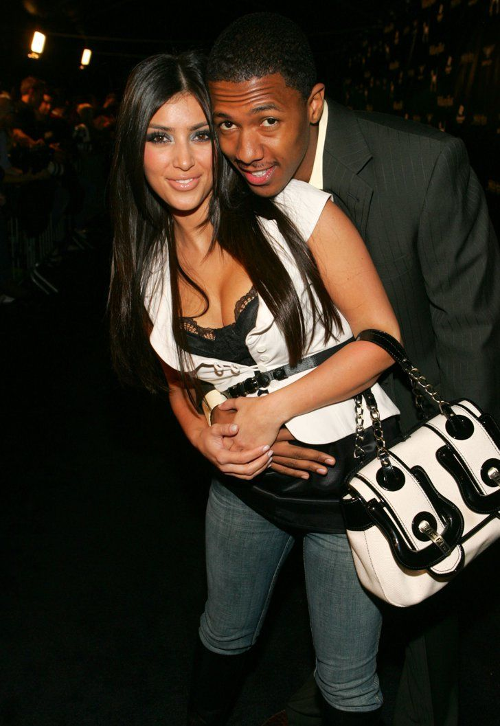 Pin for Later: Kim Kardashian, de Party Girl à Hot Mama  Kim et son petit ami de l'époque, Nick Cannon, en Octobre 2006.