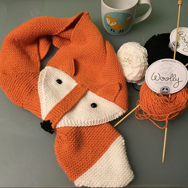 Carmen ha hecho esta divertida bufanza de zorro con lana merino Woolly http://instagram.com/p/x2CF5rM065/?modal=true