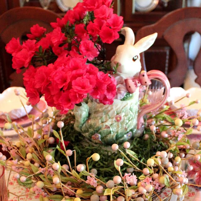 JBigg's Life in Kentucky: Rabbits Hop On For An Easter Table and Easy Centerpiece