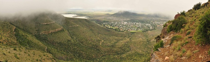 Beautiful Panoramic shot of Graaff-Reinet taken from the Toposcope     More info on Graaff-Reinet, the Camdeboo National Park & the toposcope viewpoint visit http://www.camdeboocottages.co.za/index.php/graaff-reinet-from-toposcope    Pic taken by Iga Motylska  #Graaff-Reinet #travel #karoo #accommodation #Camdeboo