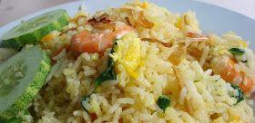 Indisch eten!: Nasi goreng Singapore: gebakken rijst met garnalen, ei en prei