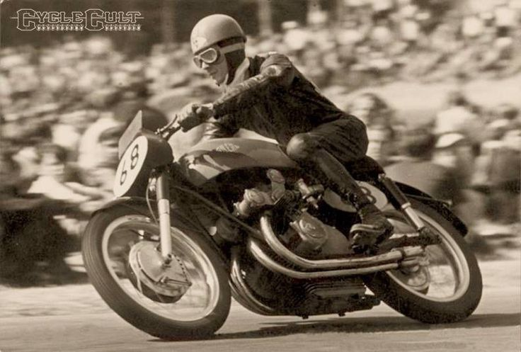 Umberto Masetti on the #Gilera #500cc 4 cylinder GP motorcycle