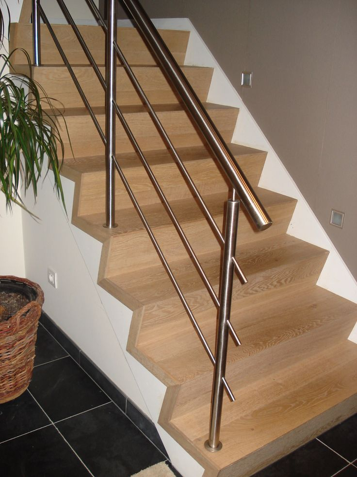 Betonnen trap bekleden met multiplex massief franse eik trappen pinterest met - Deco woonkamer met trap ...