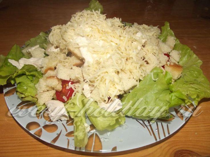 """Классический салат """"Цезарь"""" с курицей"""