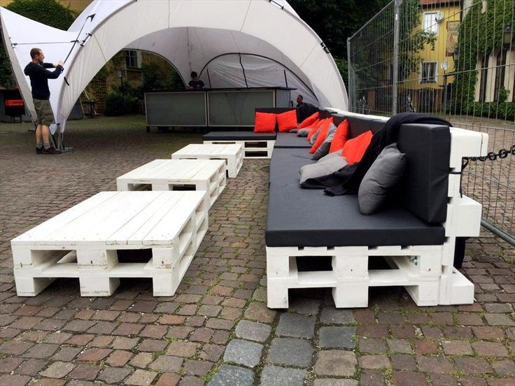 Large Pallet Sofa Set for Outdoor Seating | 101 Pallet Ideas