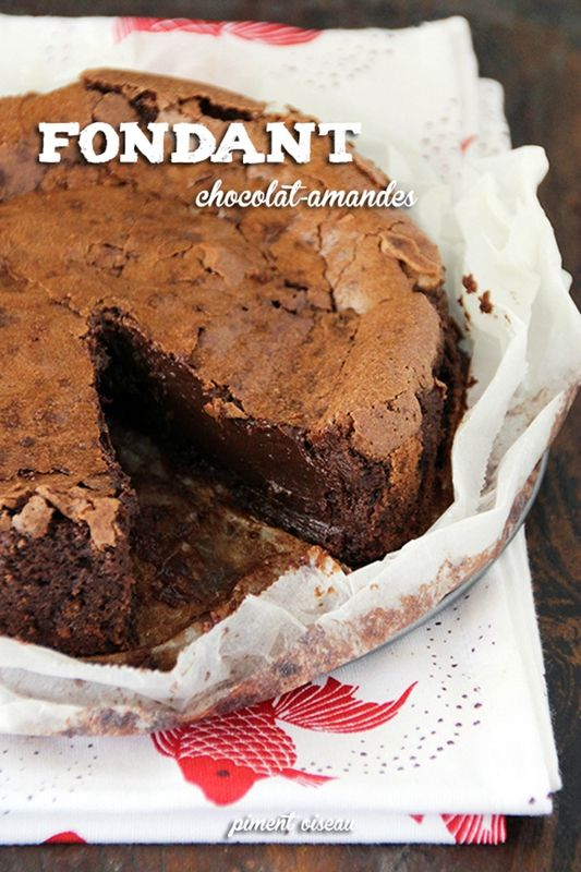 fondant chocolat amandes-chocolate & almond mudcake chez Piment-Oiseau, des saveurs plein le bec !