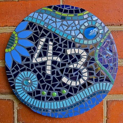 Mosaics house number...I need to make one for our place.