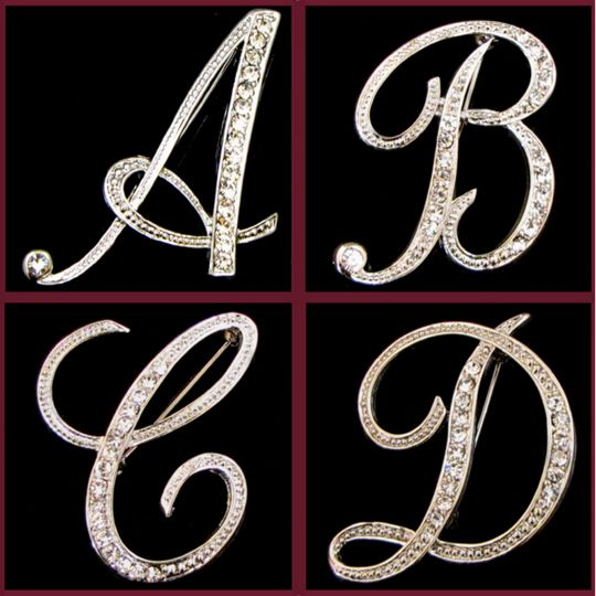 Fashion Jewelry Crystal Brooch Silver Plated 26 Letters Brooches For Women Crystal Rhinestone Banquet Accessories Christmas Gift