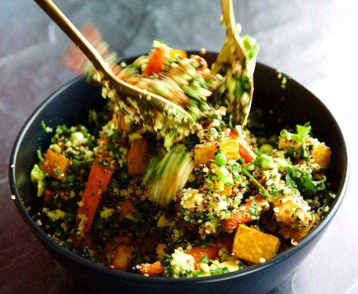Healthy & delicious this salad is perfect for lunch or dinner.