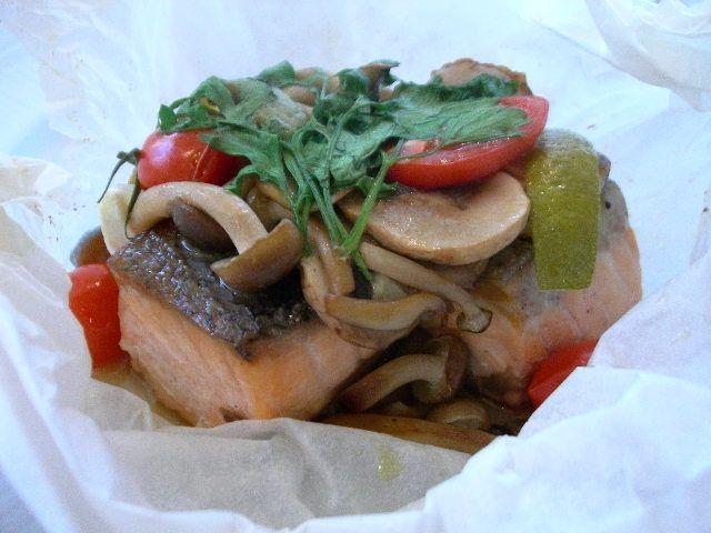 秋鮭とキノコのカルトッチョ