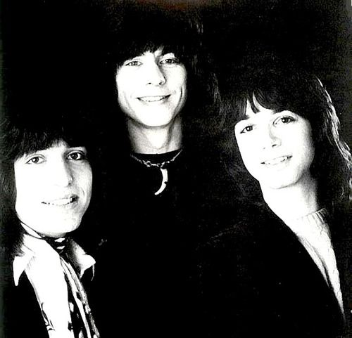 Arrows portrait by Gered Mankowitz, 1976. From the left to right Jake Hooker, Paul Varley and Alan Merrill.
