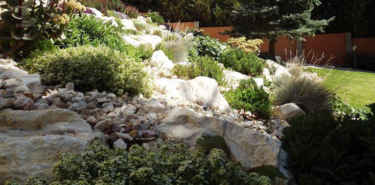 White rocks and green foilage freshness- rock garden- a zöld és fehér frissessége- sziklakert