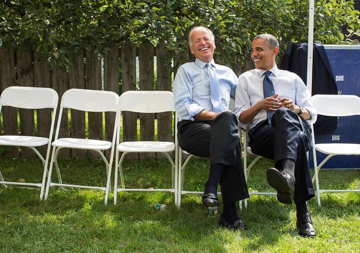 """157.3k Likes, 2,995 Comments - Pete Souza (@petesouza) on Instagram: """"TBT: Five years ago today. Waiting to be announced at an event in New Hampshire."""""""