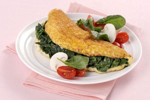 Omelette soffice con spinaci e parmigiano - Donna Moderna