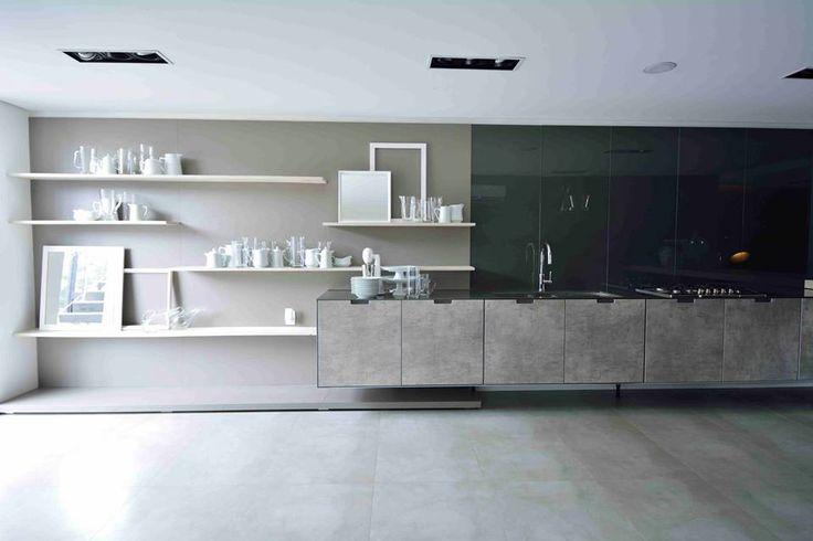 Mega contemporânea, aqui a versão Concrete da Coleção de Cozinhas Effetto traz a combinação entre o TS Concrete e o vidro Ardésia. Que tal?