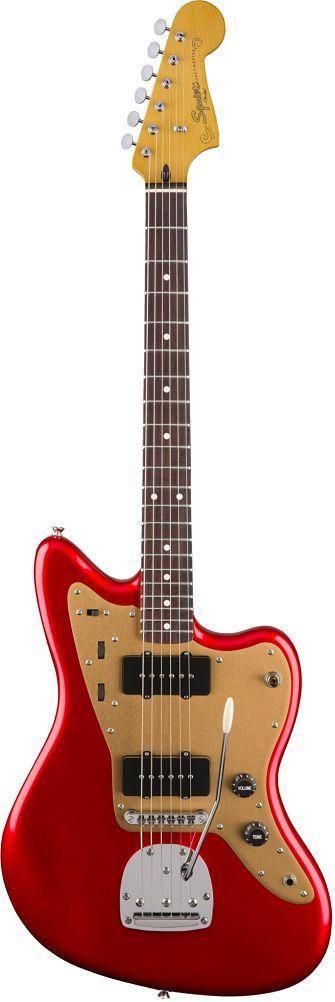 Guitarra Fender Delux JazzMaster Squier0303101509    Con el mismo conmutador flexible de doble circuito y puente de trémolo flotante como el original, el Deluxe Jazzmaster Tremolo es una for...