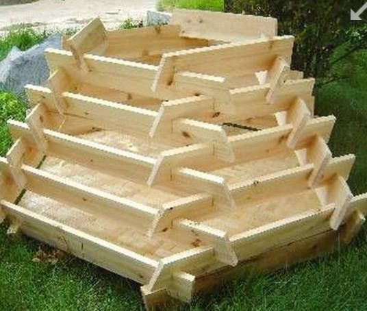 Grow Herbs, Veggies And Flowers by Building These Splot Together Planters