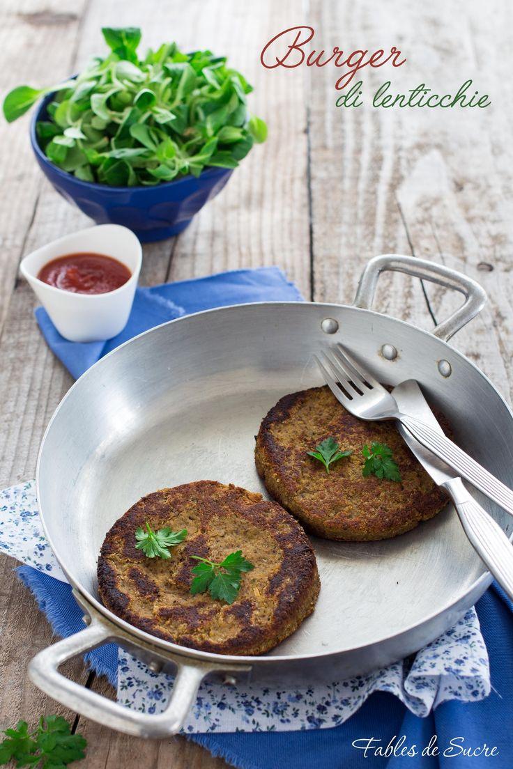 I burger di lenticchie sono un secondo piatto vegetariano davvero sorprendente. Sono gustosi, morbidi, saporiti e molto nutrienti.