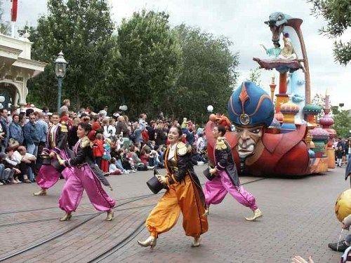 Disneyland Paris 2014-2015 - Disneyland 5* - 1 NOAPTE SI 1 ZI GRATUITE