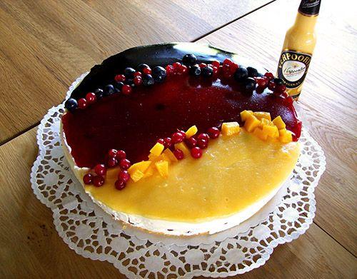 Eierlikör Rezept: Eierlikör-Käsesahne-Torte in Schwarz Rot Gold mit Verpoorten - Backrezepte - VERPOORTEN