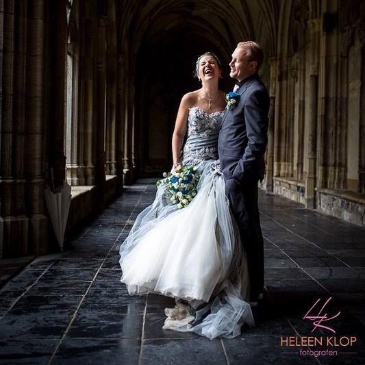 BRUILOFT | UTRECHT Wat die je op een regenachtige (trouw) dag? Een geweldige shoot doen in het Pandhof (Domtuin) in Utrecht! Zien ze er niet prachtig uit? . . . . . #bruiloft #trouwen #momentdesign #utrecht #utrechthotspot #utrechtweddingphotographer #utrechtcity #pandhof #bruid #bruidegom #bruidspaar #destinationshoot #ig_utrecht #ig_picoftheday #ig_photooftheday #couple #wedding #bride #groom #photooftheday #photoshoot #fearless #thiskindoflove http://ift.tt/2wHHBkV #fotograaf #utrecht…