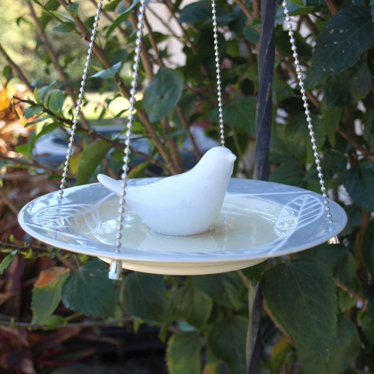 17 best images about dish repurposing on pinterest for Garden art from old dishes