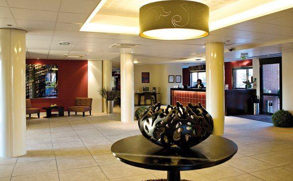 Park&Suites Prestige Toulouse Aéroport**** - Réception #toulouse #hotel #apparthotel #reception http://www.parkandsuites.com/fr/apparthotel-toulouse-aeroport-blagnac