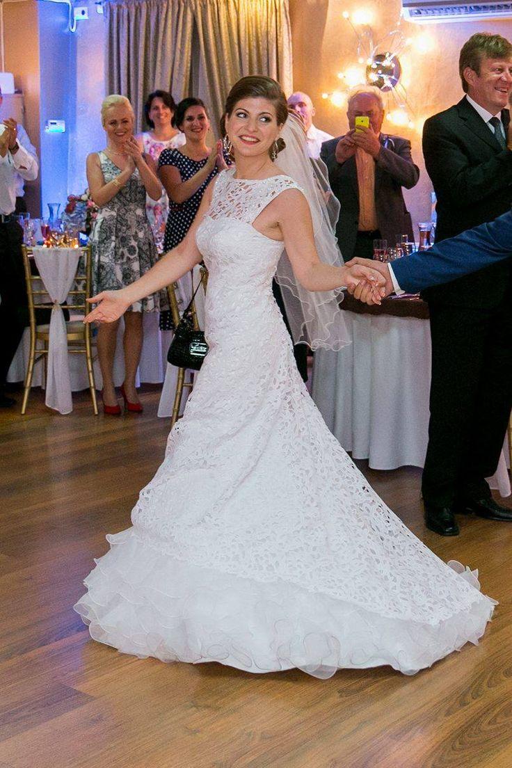 Tanec vo svadobných šatách