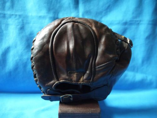 AWESOME-early-1920-RAWLINGS-BASE-MITT-baseball-glove-vintage-antique-old-RARE #antiques #vintage #collectible #oddities #treasures #fleamarquet #finds #antiquesports #baseballgoods #antiquebooth #baseball #vintagesportsequipment #vintagesports #sportsitems