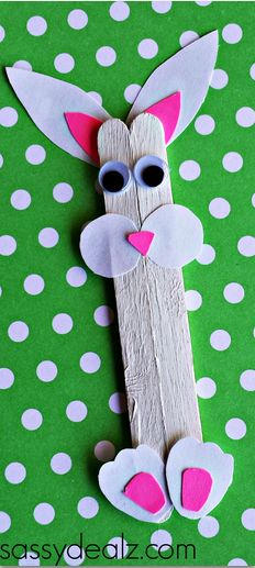 Popsicle Stick Bunny Craft #Easter craft for kids | CraftyMorning.com