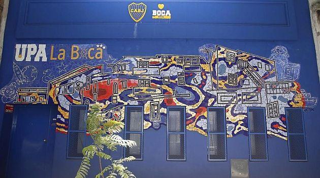 Mural en mosaico upa la boca el diario espa ol marca for Dublin gay mural