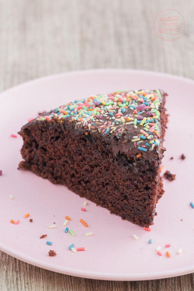 Veganer Schokoladenkuchen ohne Ei, Butter, Milch: Soo schokoladig! Sooo saftig! …   – Backenmachtglücklich Rezepte