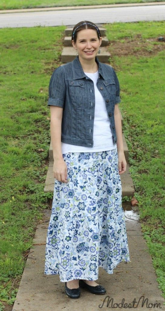 A good outfit for this postpartum mom! #ModestMonday and Modest Monday Link up!